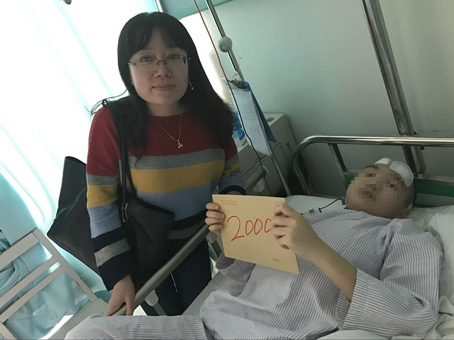 新苗术后的小贾中山一院关心脊柱侧弯患者4